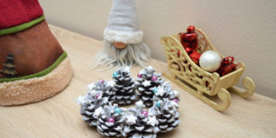 Christmas decorations 2020 - Winter wreath out of cones
